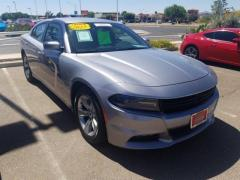 2017 Dodge Charger 4D SXT Car