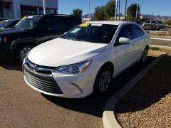 2016 Toyota Camry 4D XLE Car