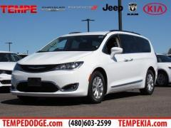 17 Chrysler Pacifica Touring-L