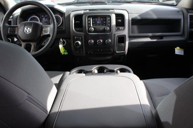 2018 Ram 1500 EXPRESS CREW CAB 4X4 5'7 BOX