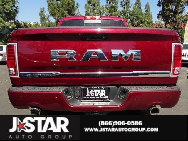 2017 Ram 1500 LIMITED CREW CAB 4X2 5'7 BOX