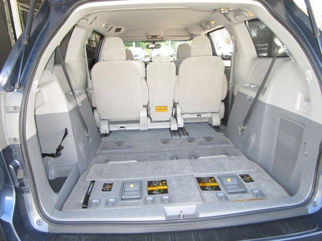 2013 Toyota Sienna LE