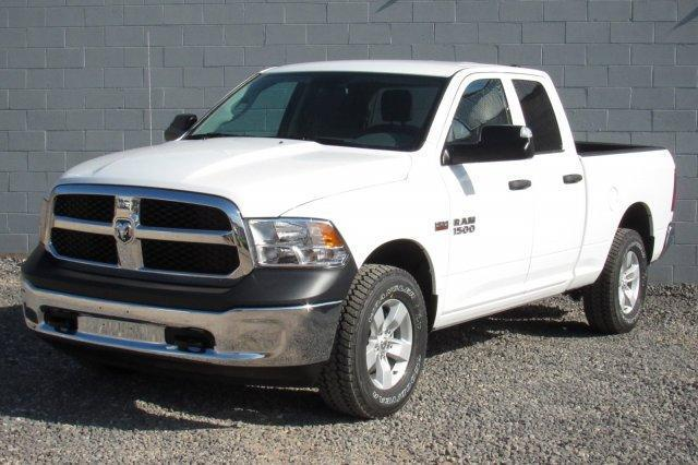 2017 Ram 1500 TRADESMAN QUAD CAB 4X4 6'4 BOX